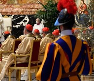 O Papa: a força da vitória de Cristo vence o mal e nos liberta do maligno