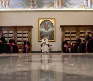 Papa: É preciso valorizar a vida interior. Meditar é encontrar Jesus e nós mesmos