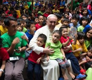 Papa a educadores católicos: ensinar o jovem a ser testemunha autêntica da fé
