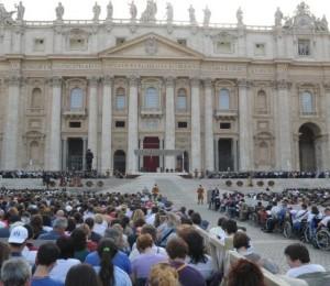 Decreto regulamenta os mandatos de governo nas associações internacionais de fiéis